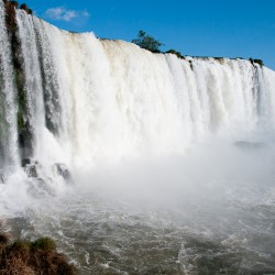 When to go to Iguassu Falls